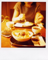yanaka sampo (sweets time) (mika-rin) Tags: polaroid sx70 friend weekend sweets lotta yanaka sampo 600film hantei