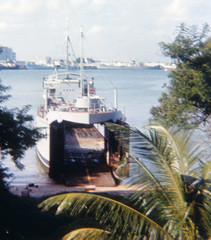 LCT beached on Pulau Brani (f0rbe5) Tags: marine singapore ramp tank machine craft landing bow beached british 1968 britisharmy landingcraft pulau rct royalcorpsoftransport lct singaporeharbour brani pulaubrani keppelharbour tanklandingcraft bowdoors landingcrafttank