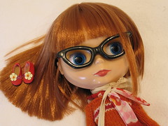 Max's biggest fan (hazymat) Tags: glasses shoes doll piccadilly redhead jumper blythe np takara picca shinyhair