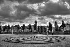 Labyrint van Nijmegen (Hans van Reenen) Tags: nijmegen nederland thenetherlands hdr zw labyrint waalkade fav10 sintstevenstoren sintstevenskerk skyarchitecture 20060904