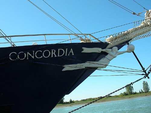 Concordia bow detail Steveston BC 2006_0818