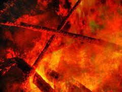 Harvest Restival 2006 - HDR Fire (fotograf.416) Tags: music festival night 2006 techno rave hdr harvestfestival photomatix 20060917 harvestfestival2006