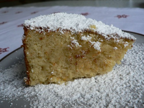 Almond and orange cake 010