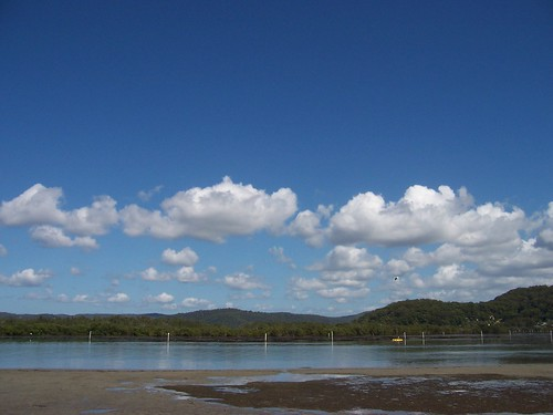 Kayaker, Rileys Island & Mount Pleasant Saratoga from Illoura Reserve Davistown