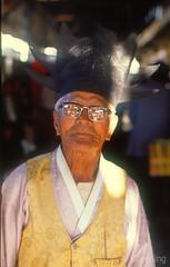 Man, Hadong, Kyongsangnamdo, Korea 9010.67n (Al Greening) Tags: korea hadong