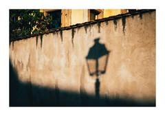 the street lamp that never shines (08dreizehn) Tags: 08dreizehn alsace elsass elsas europa europe france frankreich mauer mittelbergheim olympusm25mmf18 olympuspenf schatten sonne strasenfotografie strasenlaterne thomashassel danslamatinée inthemorning morgens mur nullachtdreizehn soleil street streetphotography sun wall grandest