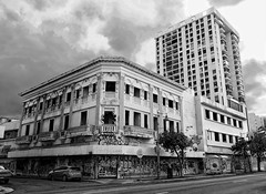 Corner in Santurce/ B&W (Carlos A. Aviles) Tags: santurce corner urban urbano street calle callejera rundown abandono edificio building arquitectura arquitecture sanjuan puertorico