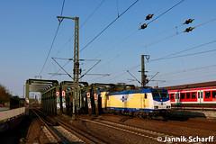 ME 146-05 (146 505-3) als RE4 nach Bremen Hbf am 22.04.2018 in Hamburg-Veddel (Der Hausmeister mit Funktionsausbildung) Tags: me metronom eisenbahngesellschaft br146 5053 505 14605 veddel hamburg re4 82027 eisenbahn fahrzeug ellok