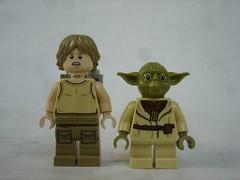 75208 - Figs (fdsm0376) Tags: lego review set starwars yoda hut 75208 luke skywalker r2d2 dagobah