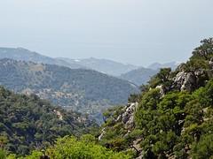 The uphill struggle is over - time to enter the plateau. (Ia Löfquist) Tags: crete kreta hike hiking walk walking vandra vandring mountain berg view vy utsikt