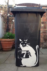 Banksy Bin (Neil Gaffney) Tags: youlie rat art pier wiganpier wigan neilgaffney banksy bin binbanksy
