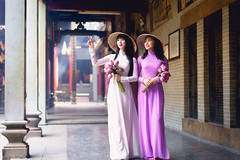 Beautiful vietnamese woman in Ao Dai white-traditional dress of vietnam, Ho Chi Minh city Vietnam (Patrick Foto ;)) Tags: aodai hochiminh adult asia asian attractive background beautiful beauty charming china chinese city closeup costume culture cute decoration dress face fashion female girl hair happy lady lifestyle lovely model oriental people person portrait pose pretty red smile standing street temple tourism traditional travel two urban vietnam vietnamese white woman young hochiminhcity hồchíminh vn