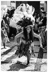 .. (Matías Brëa) Tags: feria festival medieval social documentalismo documentary blancoynegro blackandwhite byn bw bnw personas people gente