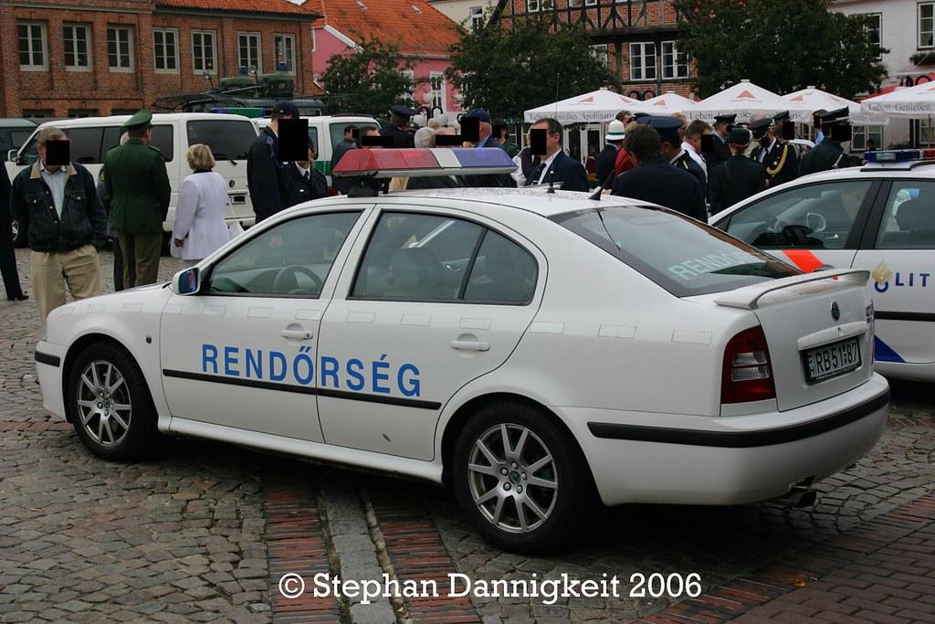 Skoda au service de la police - Page 7 40883248345_825262af13_b