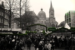 Green (nakyaonthego) Tags: green church architecture weihnachtsmarkt christmasmarket aachen germany