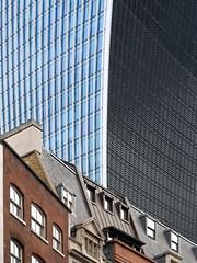 City of London (tosch_fotografie) Tags: london bankenviertel architektur stadtansicht fassade gebäude häuser fenster glas city financial district walkie talkie skygarden cannon street building stahl steel cityscape 2018 olympus omd em1 40150mm fenchurch