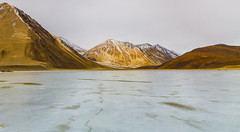 frozen lake in the Himalayas (Mijan Rashid) Tags: pangong pangonglake pangongtso landscape ladakh land mountain mountains india indiansubcontinent southasia asia asian canon kashmir jammukashmir jammu tamron tamron18270mm travel bangladeshi himalayas himalaya winter ice 1100d 18270mm march2017 lake frozen
