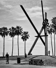 The K (dmcbee1) Tags: la beach chill sculpture easy relaxed bw blackandwhite nikon place palms