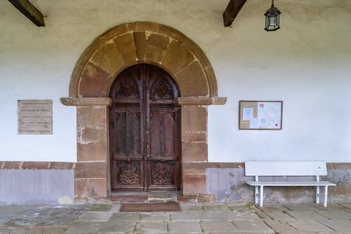 Puerta parroquial