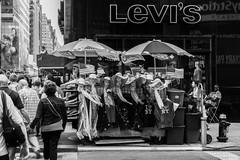 DSC02175 (Will.Mak) Tags: manhattan streetphotography storyofthestreets streetphotographynyc nyc newyorkcity newyork newyorkcitylife nyclife blackandwhite bw monochrome noir sonyilce7rm3 mirrorless peoplewatching