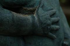Hold me (Sagadh) Tags: closeup closeups close