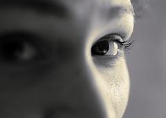 TI GUARDO (davidetavian72) Tags: potrait eyes occhi sguardi viso bianconero d3300 35mmdx blackwhite