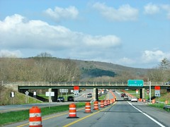 US 209 SOUTHBOUND ULSTER NY APRIL 2018 (richie 59) Tags: ulstercountyny ulstercounty newyorkstate newyork townofulsterny townofulster unitedstates weekend ushighway saturday spring richie59 roadwork america outside route209 rt209 us209 usroute209 2018 april2018 april282018 usrt209 2010s hudsonvalley midhudsonvalley midhudson usa us ny nys nystate automobiles autos motorvehicles vehicles cars 4lane fourlane 4lanehighway fourlanehighway highway road traffic freeway overpass underpass mountain southbound exit