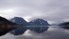 Skei -|- Lake & mountains (erlingsi) Tags: no jølstravtn skei sunnfjord noreg vatn mountains fjell skyer vår spring