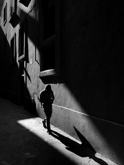 iPhone photo 50 (Jacopo Pandolfini) Tags: bw sunlight iphone7 iphone vicolo alley ombre shadows street strada streetview toscana tuscany italia italy firenze florence bn blackandwhite biancoenero