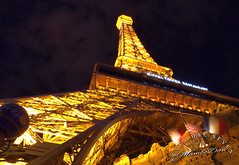 Eiffel Tower Las Vegas (SevenOneSeven MamboDan) Tags: nighttimephotography lasvegasnevada travelphotography longexposurephotography parislasvegas lasvegas lasvegasnight eiffeltowerlasvegas