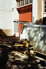 Van of carpet (0zufan) Tags: analogue analog australia sydney shade carpet van 200 gold kodak film 50mm 5cm m4 leica