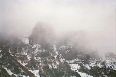 (Román__PG) Tags: montaña niebla asturias film nieve