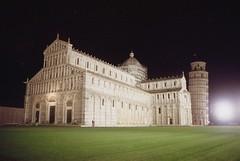 Pisa di notte (michele.palombi) Tags: pisa torre piazza miracoli tuscany film 35mm kodak portra800 colortec c41 negativo colore analogic
