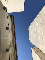 blue sky above me (Hayashina) Tags: serbia belgrade above building bluesky