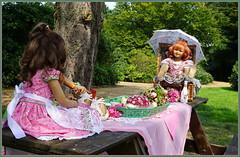Sooo ein Tag, so wunderschön wie heute .............. (Kindergartenkinder 2018) Tags: schloss lembeck kindergartenkinder sanrike milina annette himstedt dolls