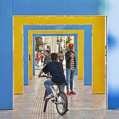 urban blue yellow (poludziber1) Tags: la spezia italia italy liguria people travel urban architecture street city mpt624 matchpointwinner