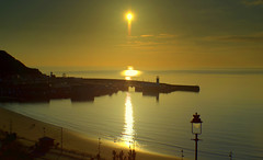 Scarborough Sunrise (Tony Worrall) Tags: © 2018 tony worrall britain english british gb capture buy stock sell sale outside outdoors caught photo shoot shot picture captured england regional region area northern uk update place location north visit county attraction open stream tour country welovethenorth yorkshirephotos east eastern northyorkshire yorks yorkshire sun sunset shine gold golden settingsun sunlit late dusk night evening sky glow glowing hue beauty nature glowingsun resort seasidetown seaside scarborough sunrise dawn eafly