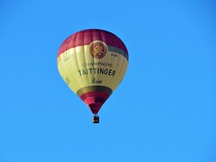 """""""Looking Up, floating up in the air"""" (seanwalsh4) Tags: balloon hotairballon 7dwf pointingup crazytuesdaytheme drifting cheersbottomsup seanwalsh bristol champagne taittinger tipple expensive floating whafting"""