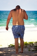 Shirtless bears on beach (LarryJay99 ) Tags: 2018 beach streets people ftlauderdale ocean atlanticocean men male man guy guys dude dudes manly virile studly stud masculine sexyman bulgebulgesbulging back horizon aqua barfus tattoos tatts peekingpits butts bearsmen bears sunglasses