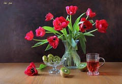 Flaming Tulips (Esther Spektor - Thanks for 12+millions views..) Tags: stilllife naturemorte bodegon naturezamorta stilleben naturamorta composition creativephotography art spring tabletop bouquet tulips food fruit kiwi slice juice mug stand glass ambientlight reflection red green brown estherspektor canon