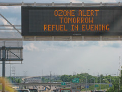 """""""Ozone Alert"""", 17 May 2018 (photography.by.ROEVER) Tags: kansas kcmetro kansascitymetro joco johnsoncounty lenexa i35 interstate freeway road highway drive driving driver driverpic ontheroad sign message kcscout ozonealert commute eveningcommute may 2018 may2018 usa"""