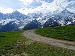 Chaine du Mont-Blanc (Manon Ridet) Tags: montagne mountain hautesavoie savoie été europe montblanc france paysage panorama parc chamonix randonnée rhônealpes