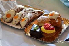 Dolce giornata a tutti. (Biagio ( Ricordi )) Tags: sicilia italy dolci sicily cannoli