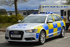 SF13 CYS (S11 AUN) Tags: police scotland audi a6 30tdi quattro avant estate abnormal load escort vehicle traffic car drpu divisional roads policing unit anpr rpu 999 emergency qdivision sf13cys