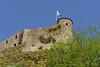 Sévérac-le-Château (12) (Μonia) Tags: arbre couleur château histoire zuiko1240mm em1 drapeau