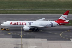 Austrian Airlines Boeing 777-2Q8ER OE-LPF (c/n 28692) Painted in the latest color scheme with additional 60th anniversary-stickers. (Manfred Saitz) Tags: vienna airport schwechat vie loww flughafen wien austrian airlines boeing 777200 772 b772 oereg 60 anniversary oelpf