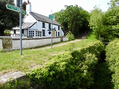 Pensarn Cottage, Monmouthshire-Brecon Canal, Newport 18 May 2018 (Cold War Warrior) Tags: cottage 1792 canal newport