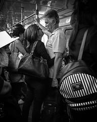 Afeto. Rio de Janeiro, 2018 / Affection (Pablo_Grilo) Tags: monochrome monocromatico blackandwhitepic blackandwhitephotography blackandwhitephoto blackandwhite bw pb noir fotografiapb fotografiaempb fotografiapretoebranco fotografiaempretoebranco fotopretoebranco fotoempretoebranco pretoebranco street streetpic streetphoto streetphotography streetphotographers fotografiaderua fotografosderua fotoderua rua ruas riodejaneiro rio 021 brasil brazil iphone6