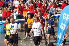 Runners (rotabaga) Tags: sverige sweden göteborg gothenburg göteborgsvarvet götaplatsen k5 pentax