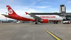 OE-LOE (Breitling Jet Team) Tags: oeloe laudamotion euroairport bsl mlh basel flughafen lfsb